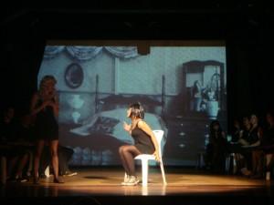 Oficina de Teatro do DAC em apresentação para comunidade, WEB800 2